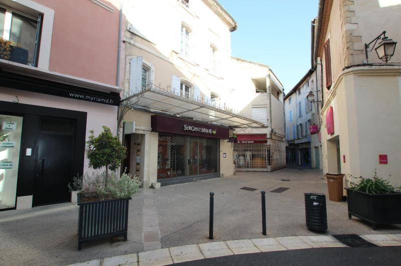 Local commercial 128m² centre ville cavaillon - grand  ...